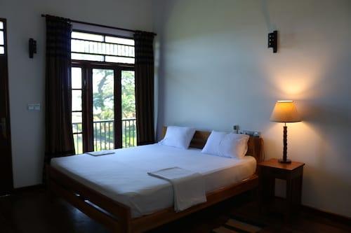 Serene Park Hotel, Thissamaharama
