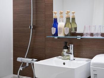 HOTEL MYSTAYS MIDOSUJI HONMACHI Bathroom Sink