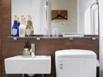 HOTEL MYSTAYS MIDOSUJI HONMACHI Bathroom