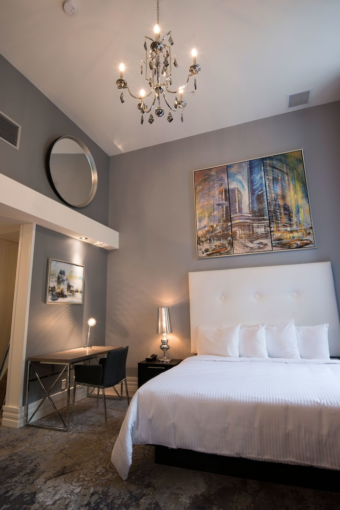 https://i.travelapi.com/hotels/20000000/19290000/19285300/19285288/67d26781_z.jpg