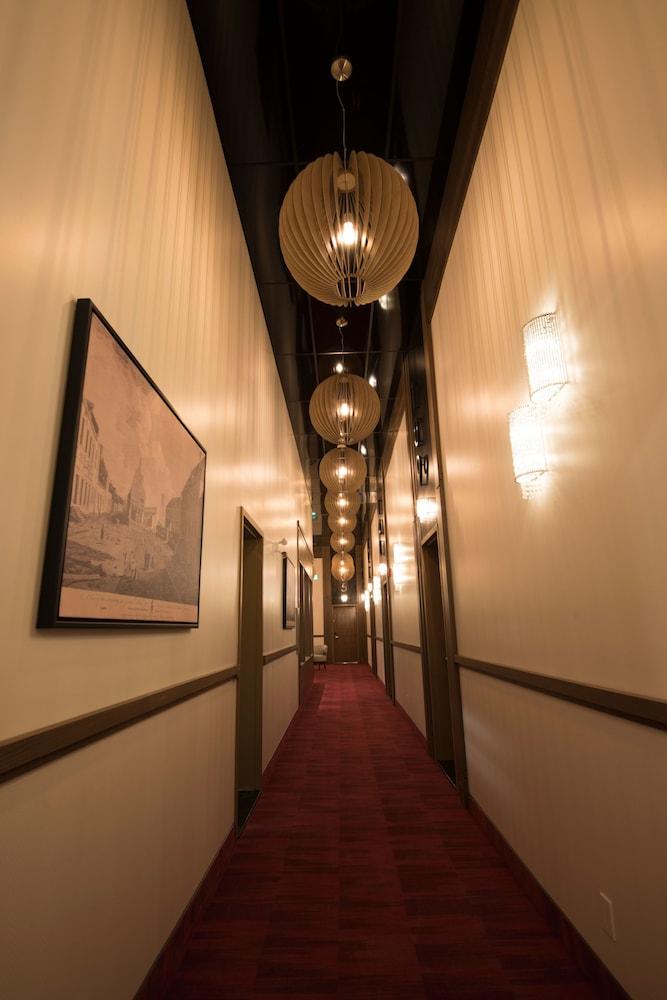 https://i.travelapi.com/hotels/20000000/19290000/19285300/19285288/cf3fff05_z.jpg