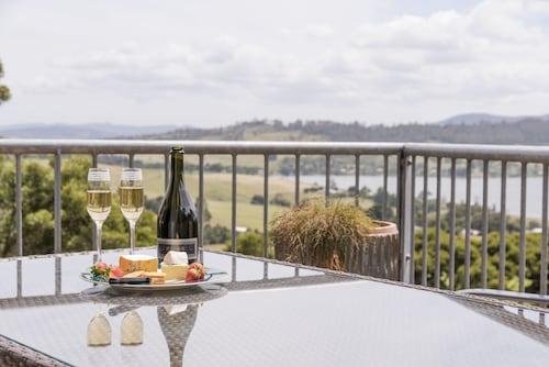 . Armalong Winery Chalets