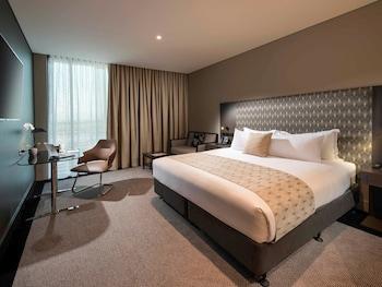 Guestroom at Pullman Brisbane Airport in Brisbane Airport