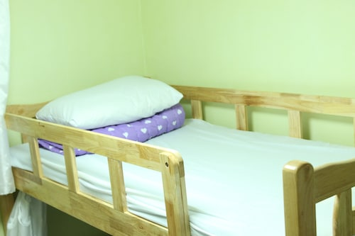 Housetay Guesthouse 2nd Branch - Hostel, Seodaemun