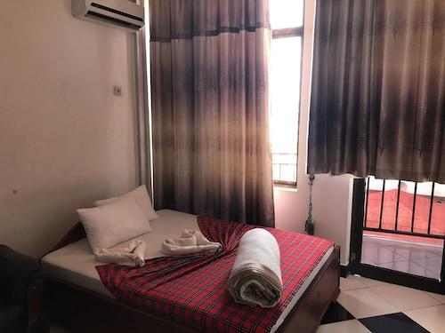 Dreams Tone Hotel, Moshi Urban