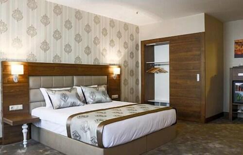 Inegol Royal Hotel, İnegöl