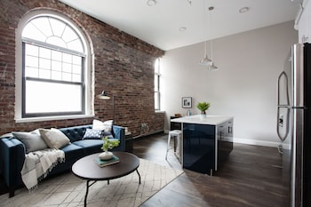 Modern 4BR in Downtown Crossing by Sonder photo
