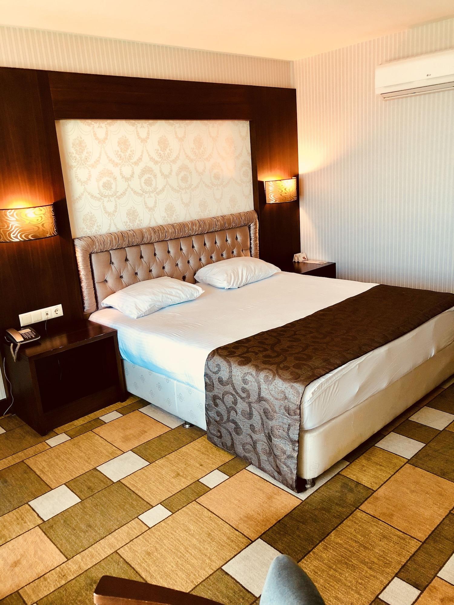 Grand Amisos Hotel, Merkez