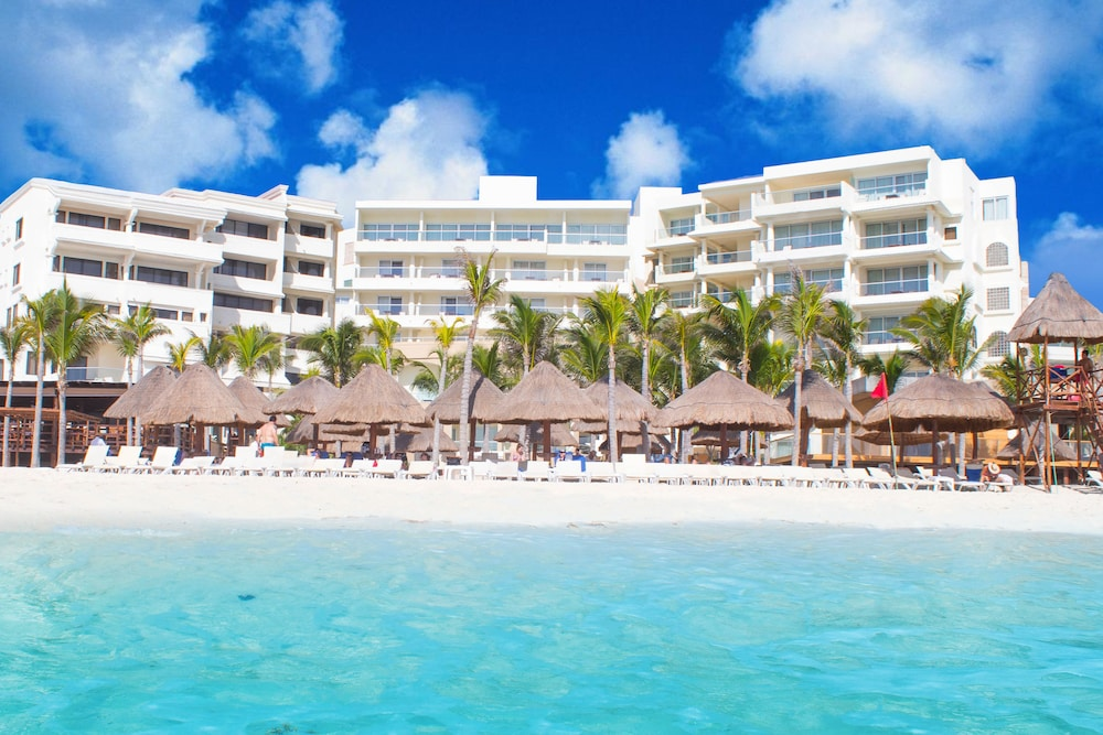 Hotel Nyx Cancun All Inclusive, Featured Image
