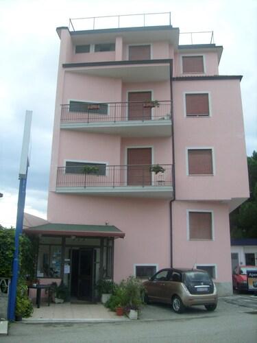 . Piccolo Hotel