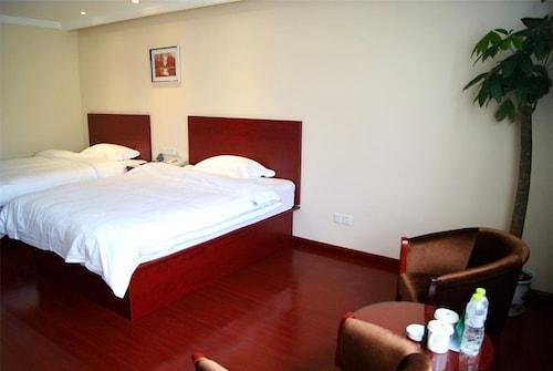 GreenTree Inn Nantong Chongchuan District Fangtian Market Hotel, Nantong