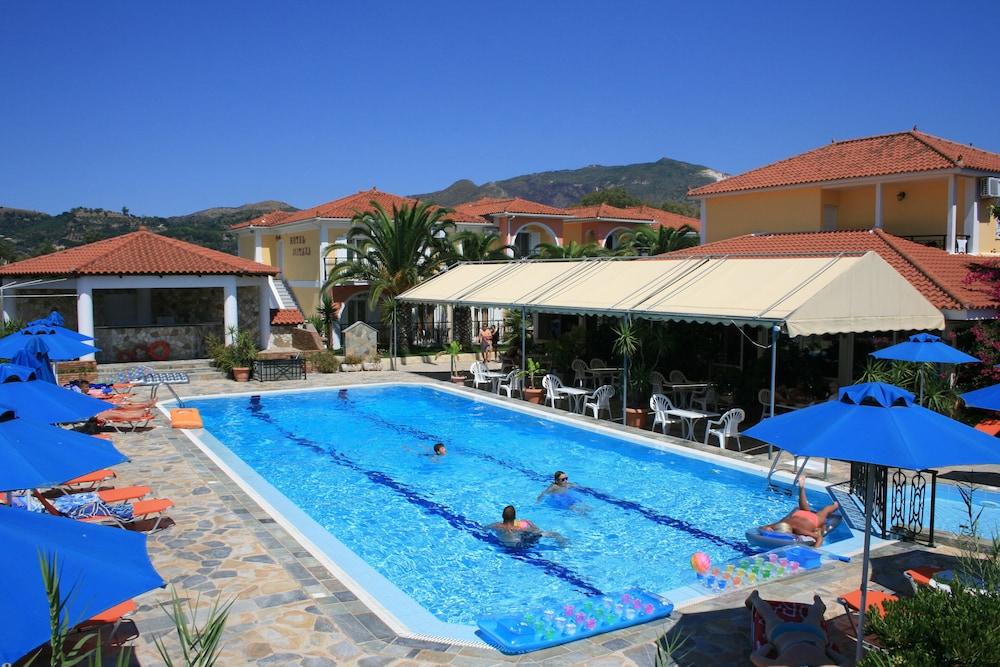 Hotel Metaxa, Kiemelt kép