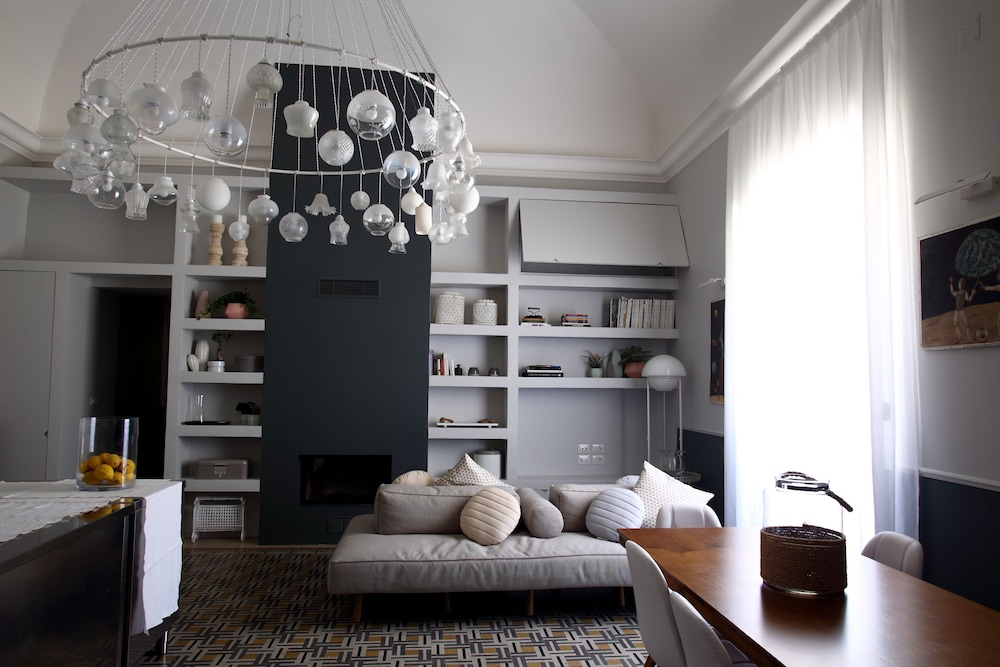 Avolio Tailored Rooms, Featured Image