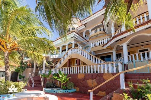 . Casa Royal Beach Siquijor