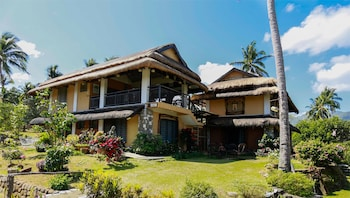 THE DUYAN HOUSE AT SINAGTALA RESORT Front of Property