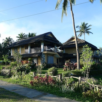 THE DUYAN HOUSE AT SINAGTALA RESORT Front of Property