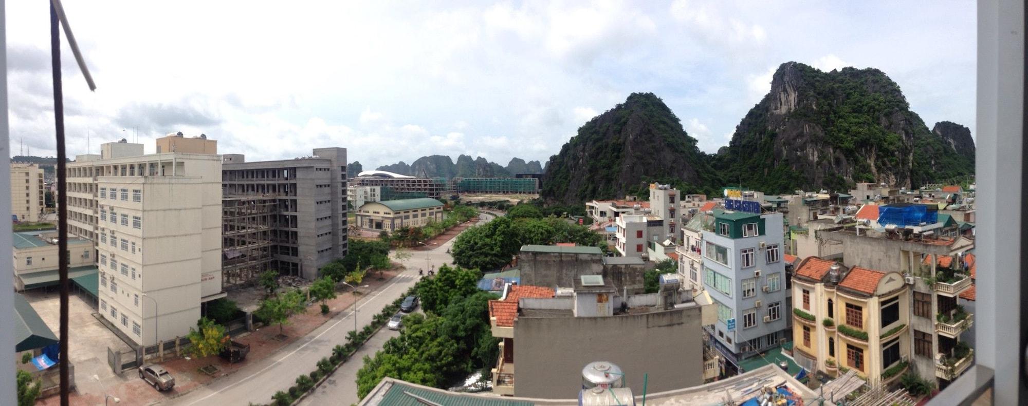 Kocmoc Ha Long, Hạ Long