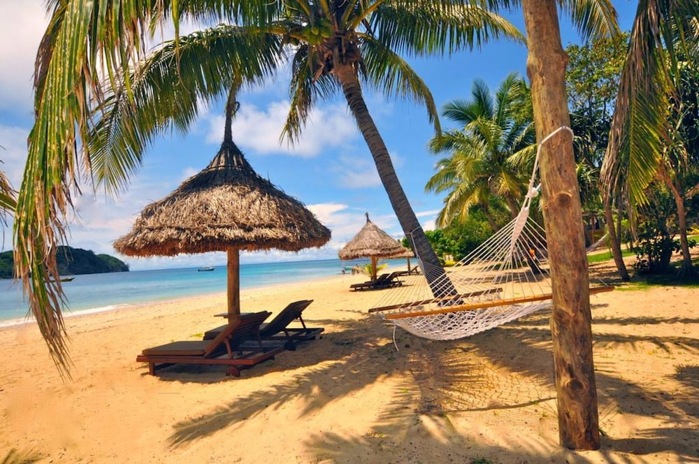 https://i.travelapi.com/hotels/20000000/19380000/19371000/19370922/3ac45b88_z.jpg