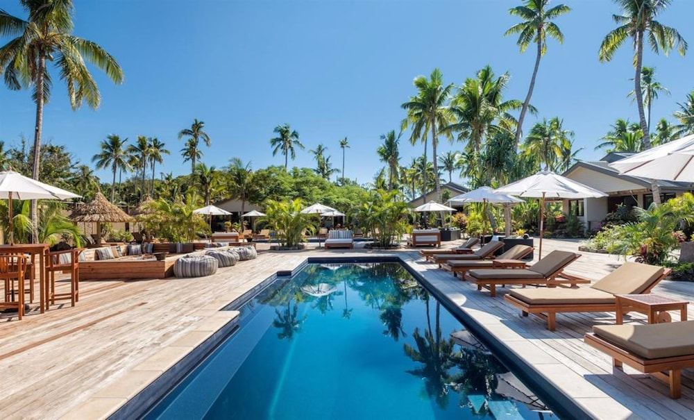https://i.travelapi.com/hotels/20000000/19380000/19371000/19370922/3bd8a6f3_z.jpg