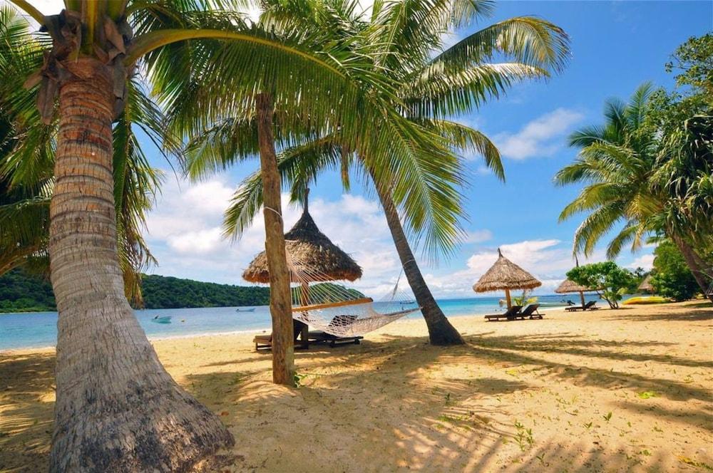 https://i.travelapi.com/hotels/20000000/19380000/19371000/19370922/4249cdad_z.jpg