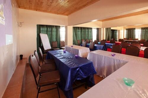 Oloiboni Hotel, Embakasi East