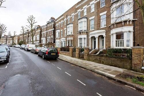 Veeve - House on the Heath, London