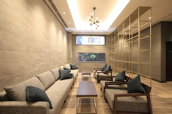 QUINTESSA HOTEL OSAKA SHINSAIBASHI Lobby Sitting Area
