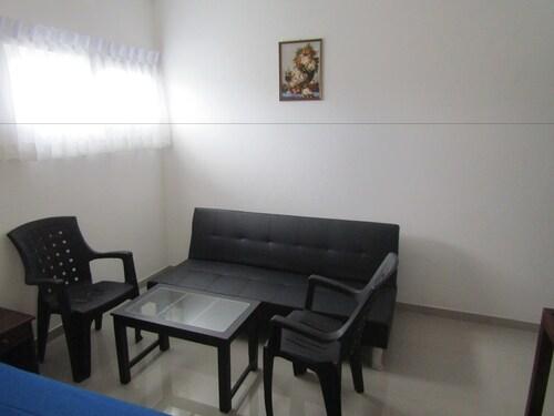 Queens Park Apartment, Sri Jayawardanapura Kotte