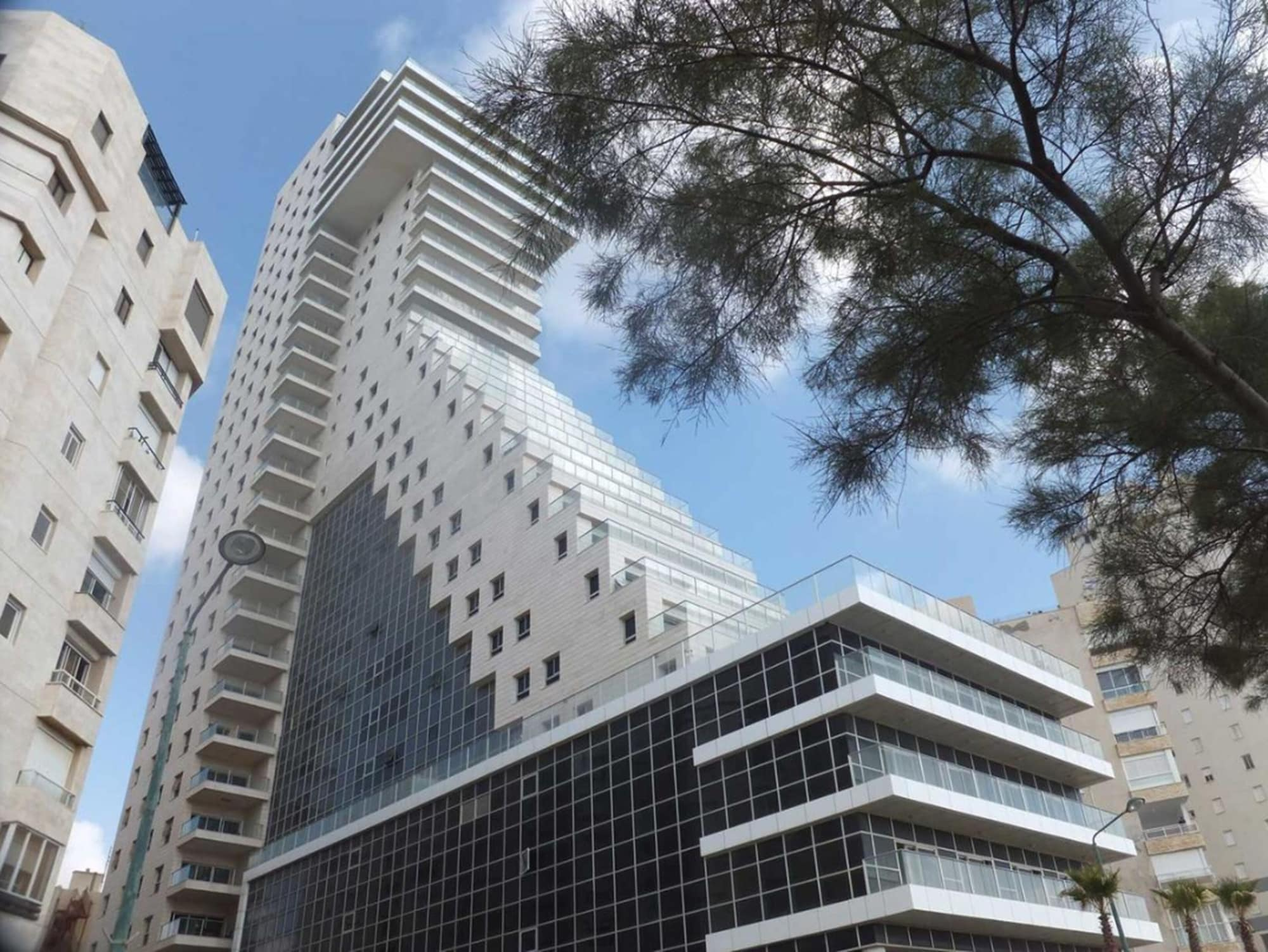Azimut Hotel Medi Terre Netanya,