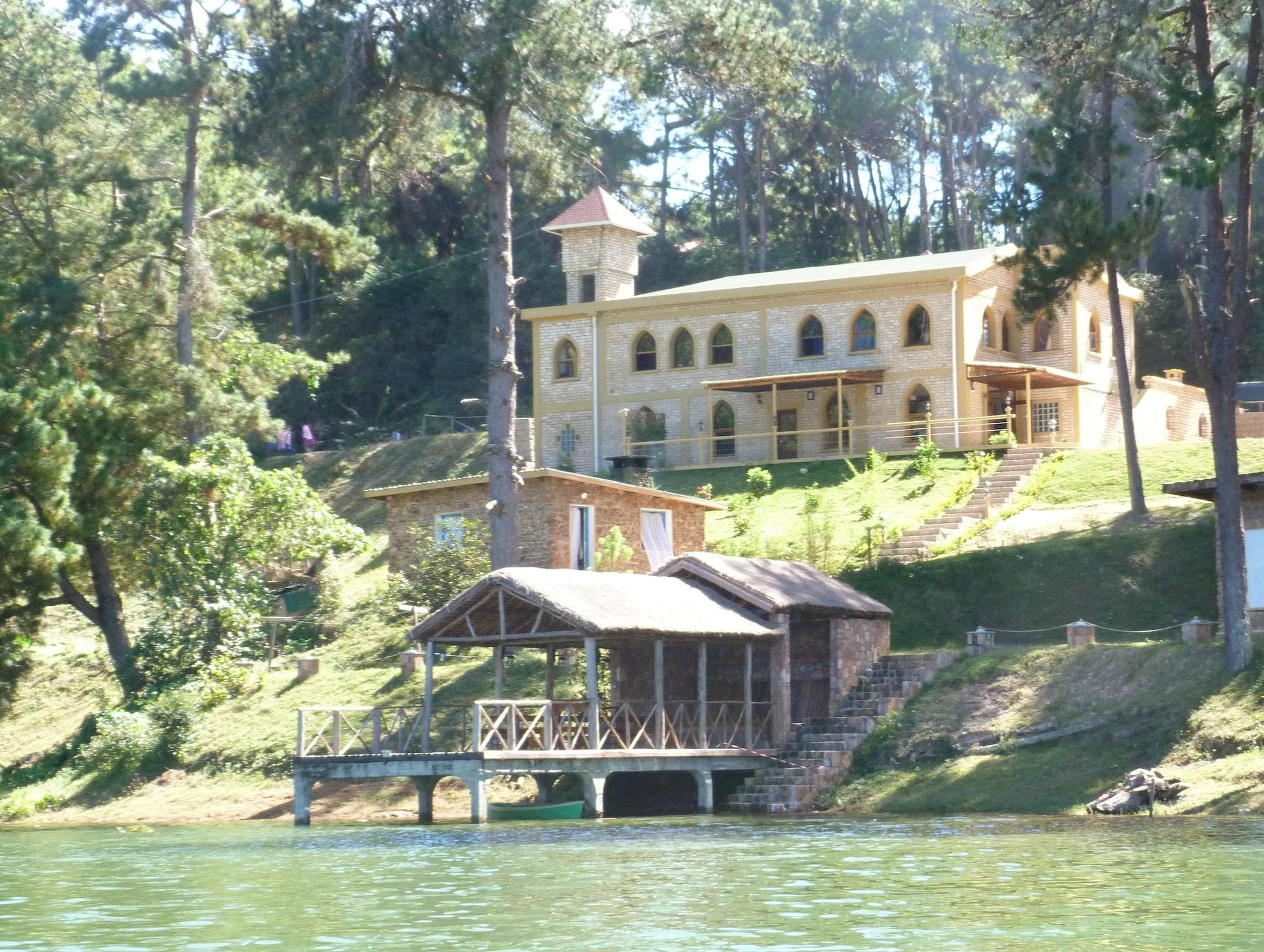 Le Chateau du Lac, Analamanga