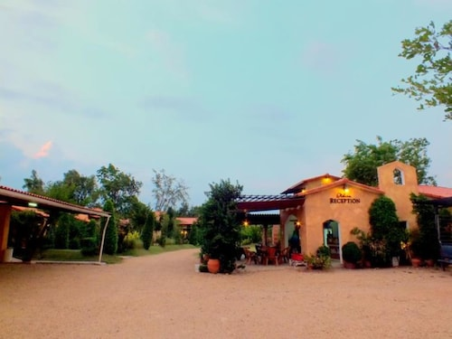 . Villa Tuscany Country Resort