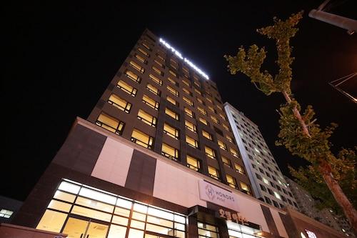 Honors Hotel, Hwaseong