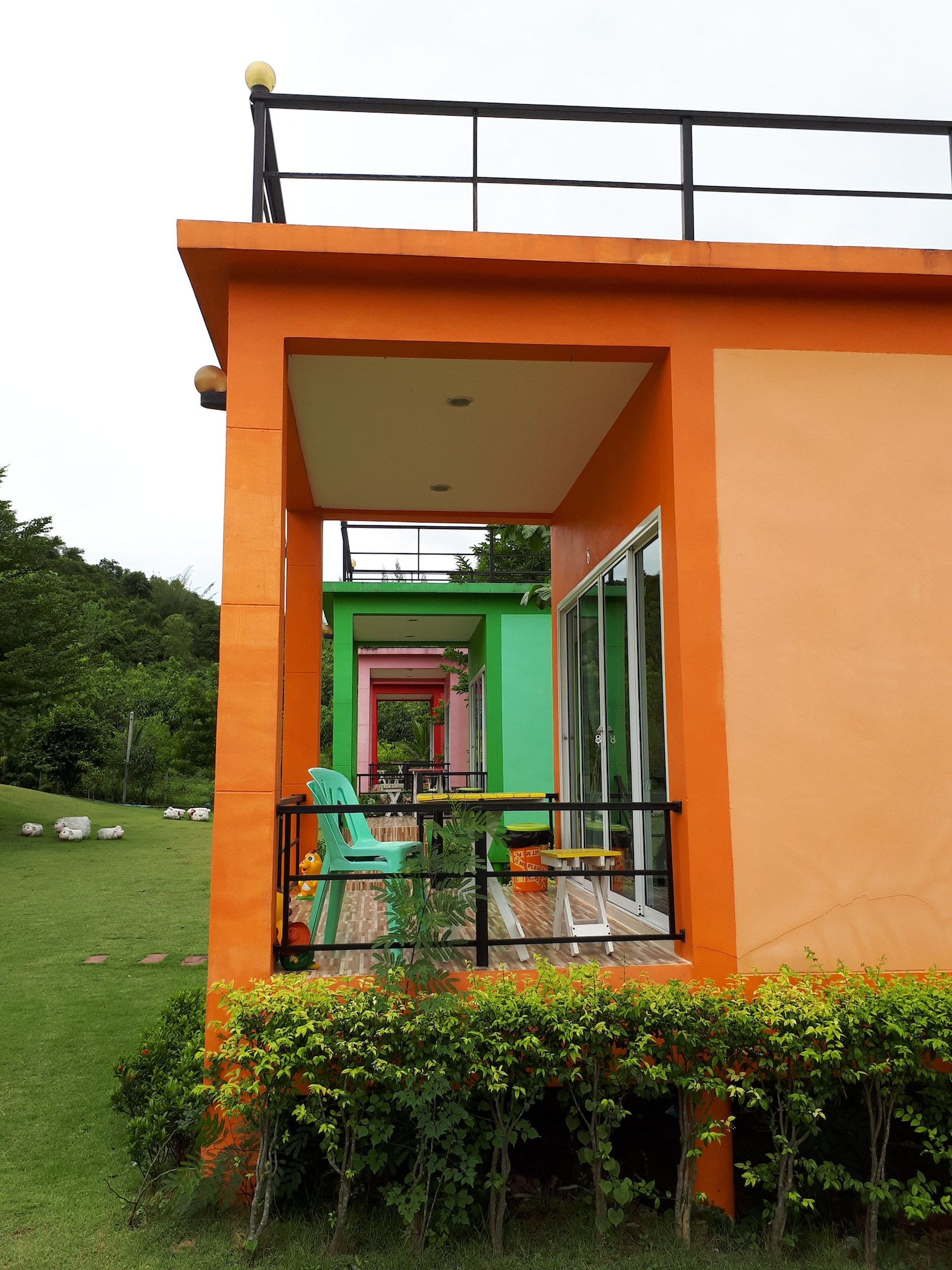 Tanihill Resort, Suan Phung