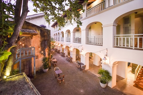 The Bartizan, Galle Four Gravets