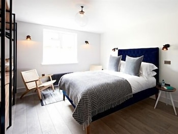 Swish Apartments Camden - Featured Image