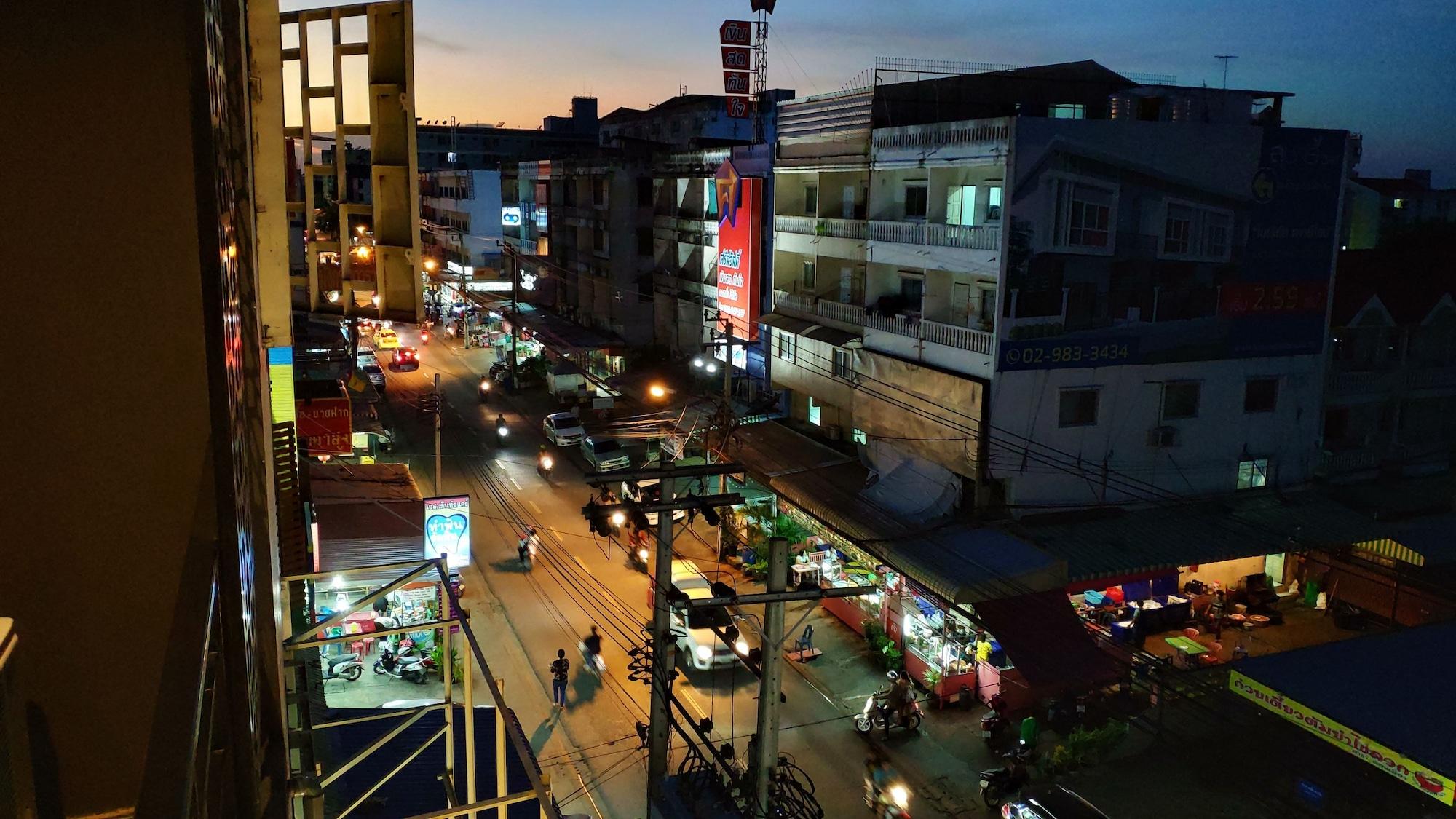 Big Smile Hostel, Don Muang