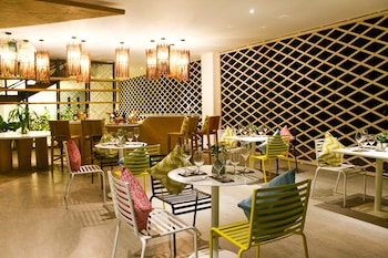 HOTEL COVO Dining