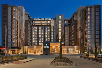 丹唐會議中心希爾頓大使套房飯店 Embassy Suites by Hilton Denton Convention Center