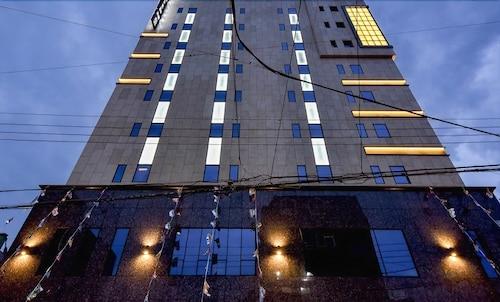 Hotel Smith, Gimhae