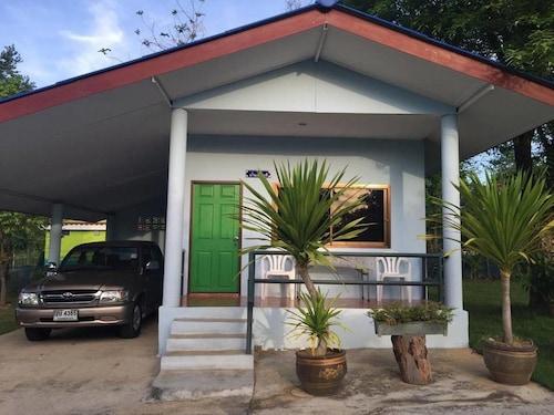 Baan Suan Nimmano Resort, Suan Phung