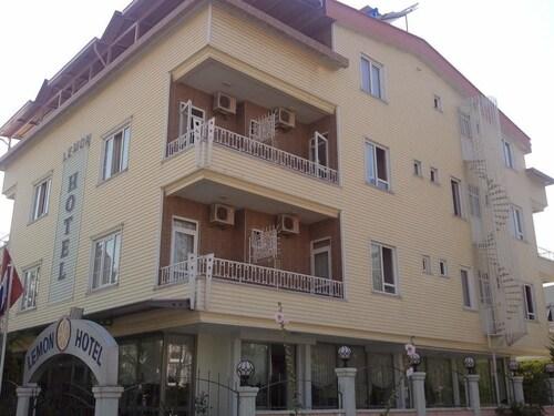 Lemon Hotel, Merkez