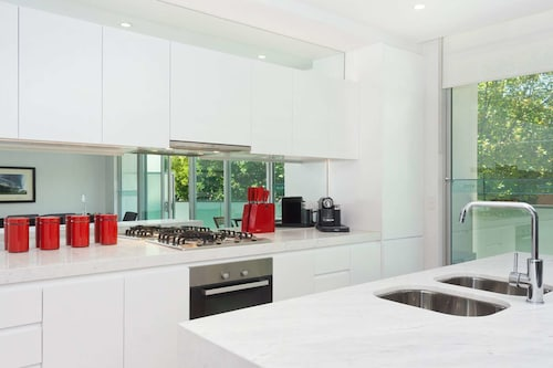 Apartment on Broadway, Port Phillip - St Kilda