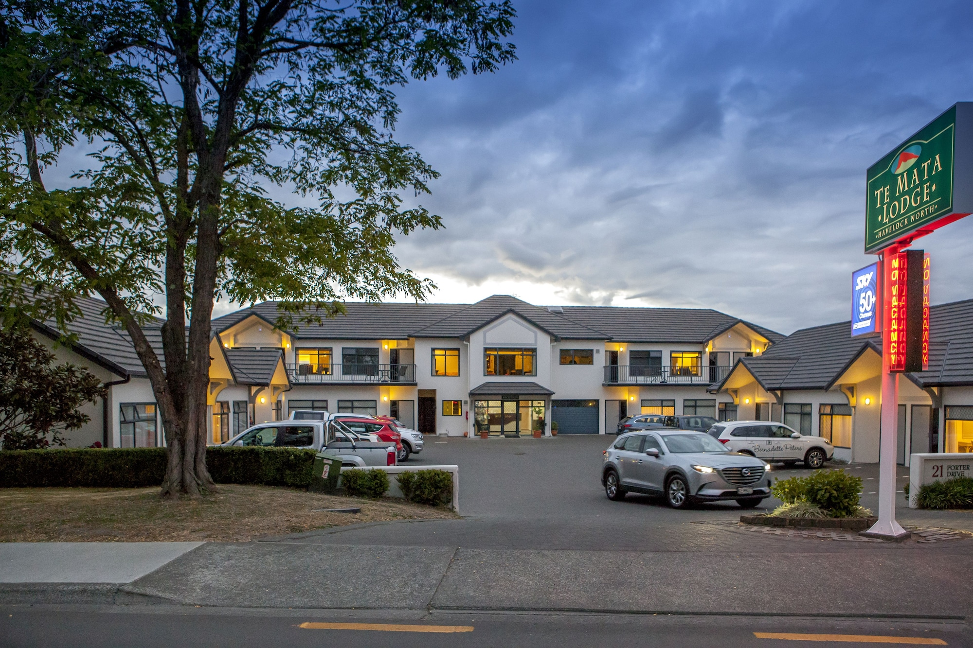 Te Mata Lodge, Hastings city