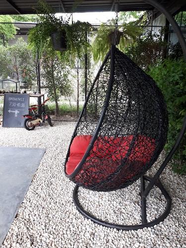 The Loftberry Resort, Suan Phung