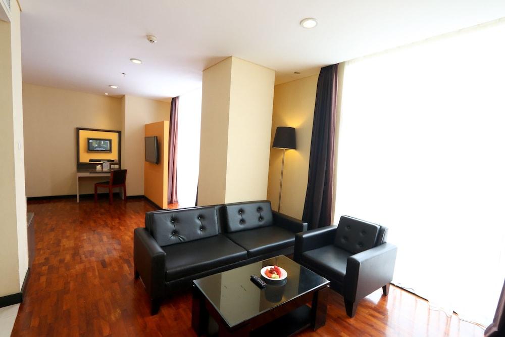 The 1o1 Malang Oj Qantas Hotels