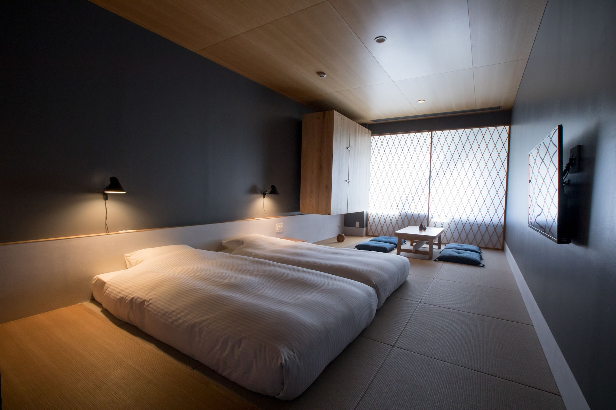 Japanese-Style Superior Room (2 twin beds and 2 futons)