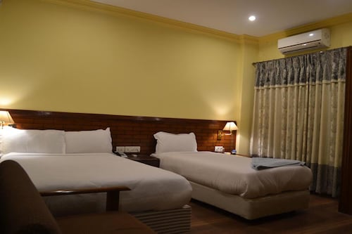 Hotel The White Lotus, Lumbini
