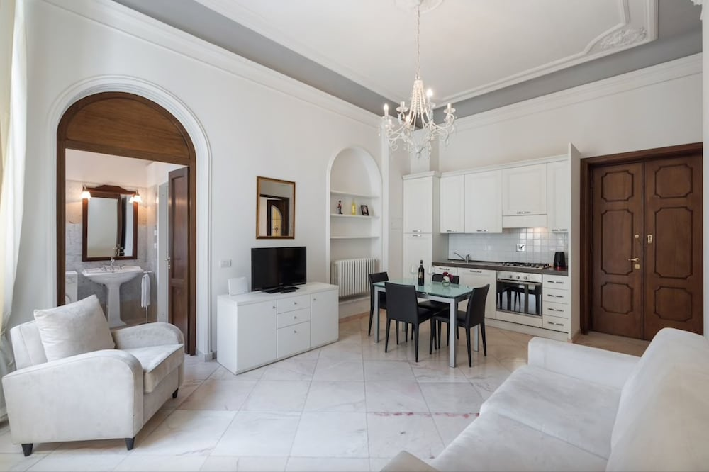 Phenomenal Scala Zara Home Uno In Florence Id90 Travel Download Free Architecture Designs Rallybritishbridgeorg