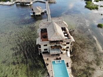 Lina Point Belize Overwater Resort