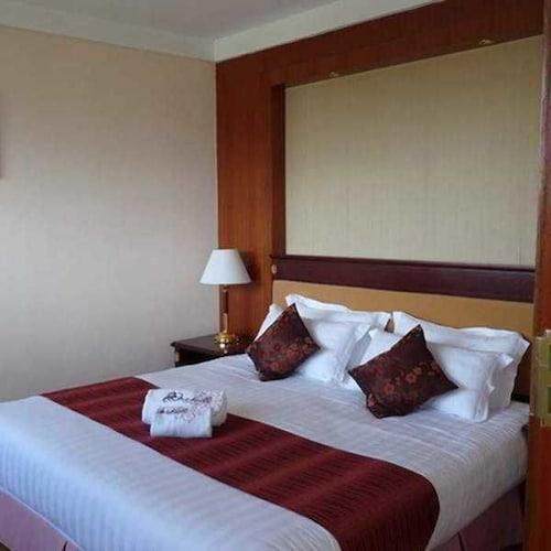 Orchid Hotel, Analamanga